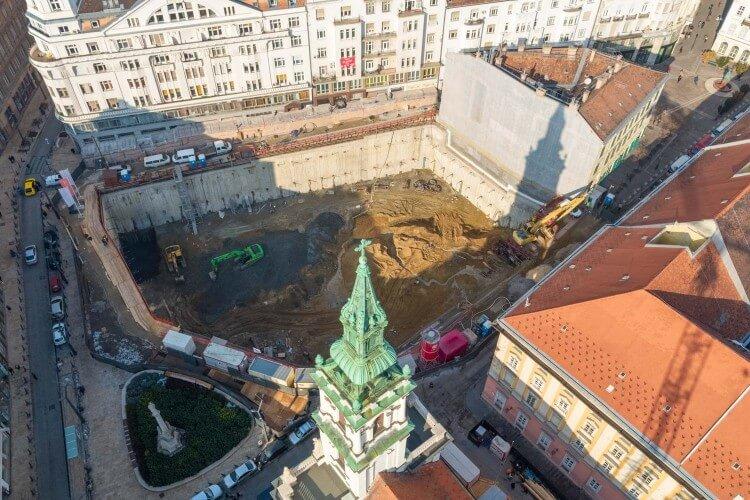 Szervita tér