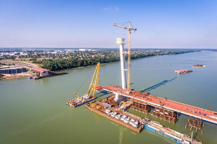 A komáromi Duna-híd építkezése (Bernát Benjámin/magyarepitok.hu)